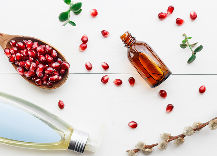 cosmetic organic pomegranate oil